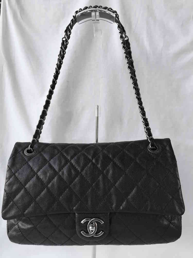 68b56d83379c Chanel easy flap jumbo black caviar - www.chanelvintage.net