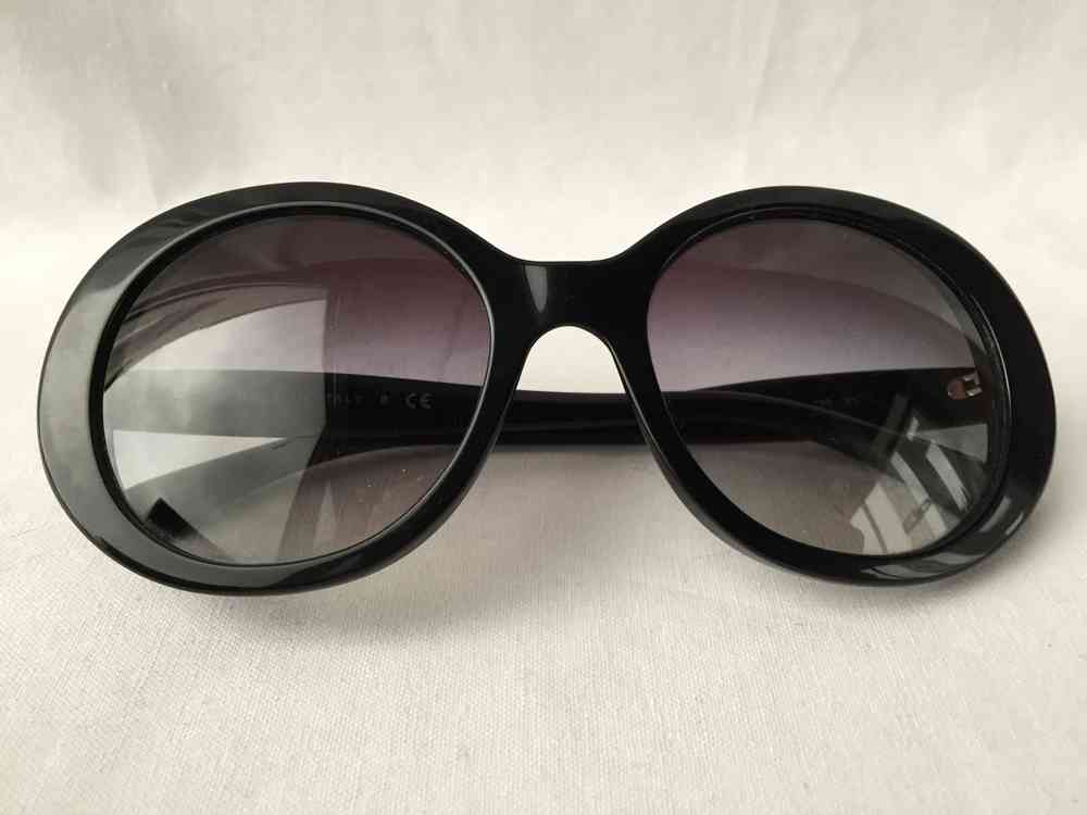 374b9bf204 Chanel black sunglasses oval Jackie O style - www.chanelvintage.net